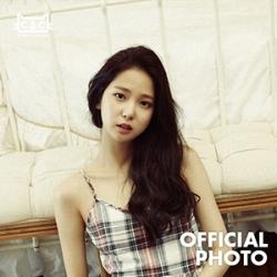 [PRE-ORDER] CLC - QUESTION OFFICIAL PHOTO (YUJIN)