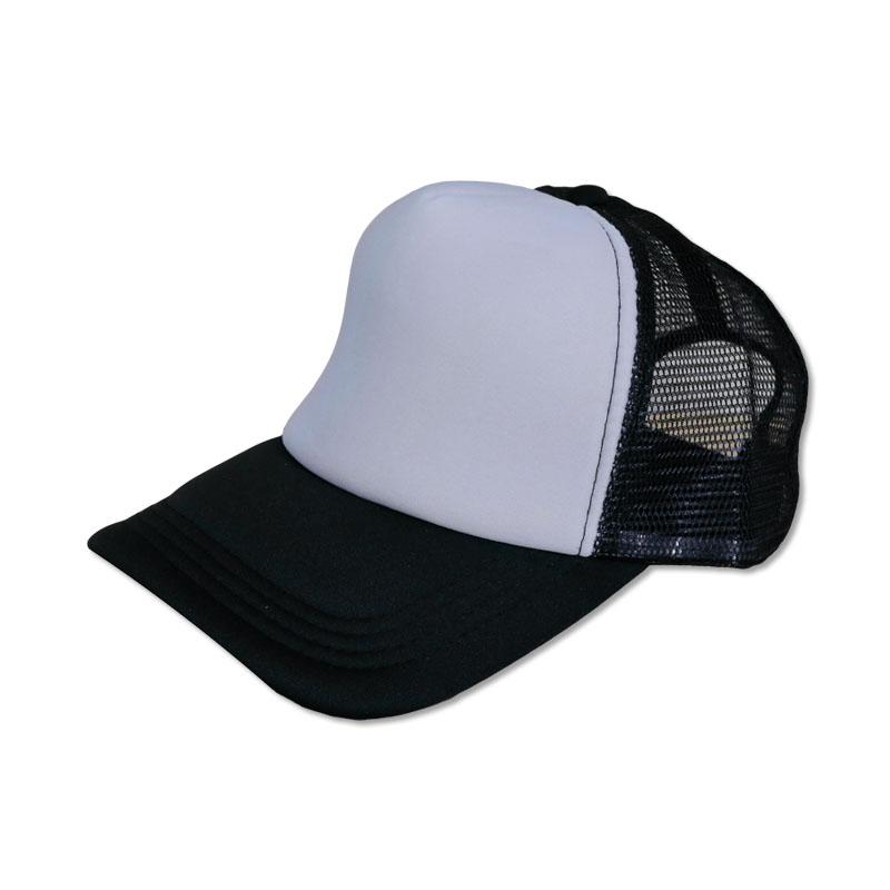 หมวกแก๊ปตาข่าย ดำหน้าขาว by Season Tales