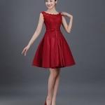 ชุดไปงานแต่งงาน ชุดออกงานสวยหรูสีแดงระกำ ผ้าลูกไม้+ผ้าไหมอิตาลี แขนกุด ชุดสวยเหมือนแบบ ราคาถูก
