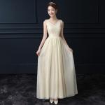 ชุดราตรียาวสีครีม แขนกุด คอวี สวยหวาน ดูดี เหมาะสำหรับใส่เป็นชุดออกงาน ชุดไปงานแต่งงานกลางคืน ธีมงานสีครีมสวยหรู