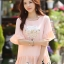 เสื้อชีฟองแฟชั่นเกาหลี สีชมพูโอรส ปักเลื่อมรูปดอกไม้ด้านหน้า ปลายเสื้อแต่งระบายรอบ มีซับใน