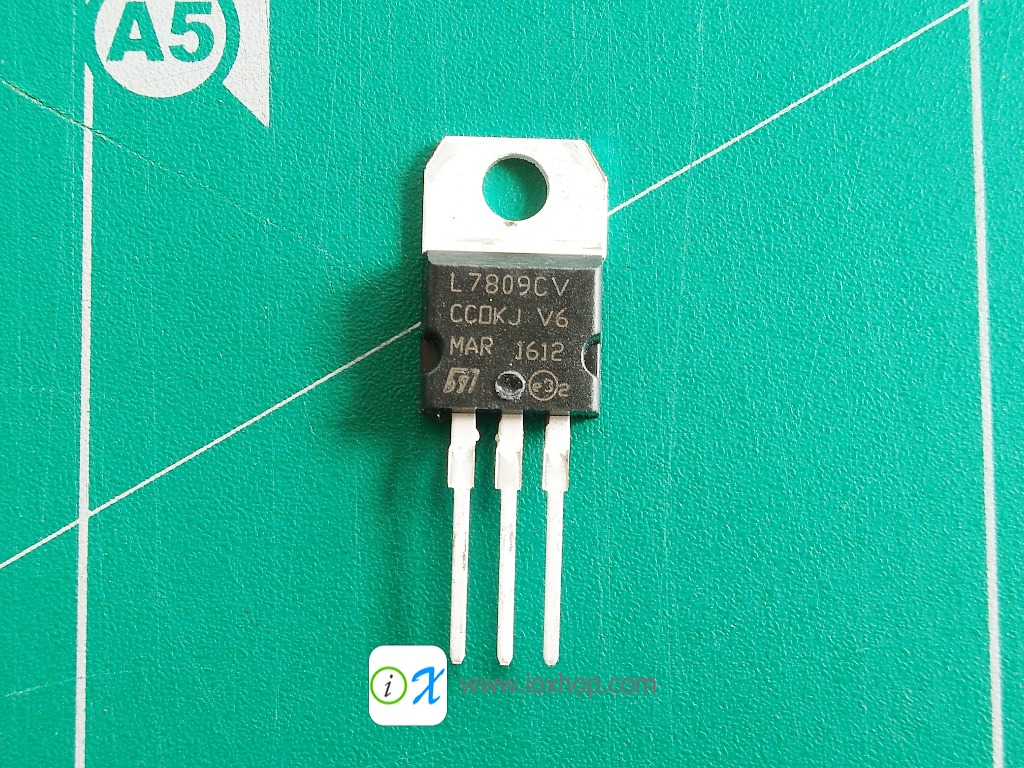 L7809 Linear Voltage Regulators 9V 1.5A