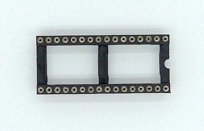 Socket DIP-32 Wide